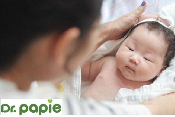 Cách chăm sóc da cho trẻ sớinh