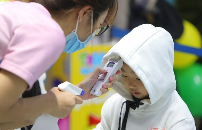 Dấu hiệu dịch corona ở trẻ nhỏ