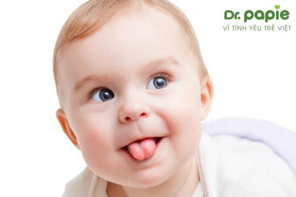 trẻ sơ sinh khi đã khỏi nấm miệng