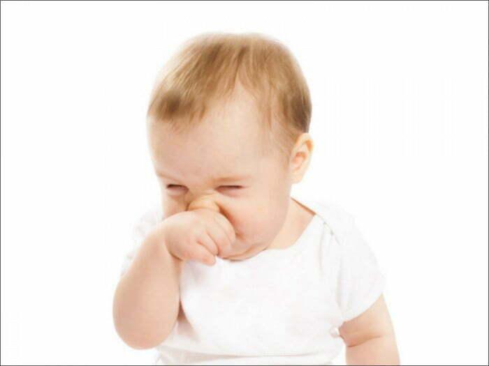 Chảy nước mũi, nghẹt mũi là một triệu chứng sốt siêu vi ở trẻ em