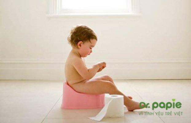 trẻ bị sốt và tiêu chảy khi mọc răng