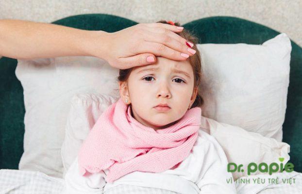 tại sao trẻ em mọc răng lại bị sốt