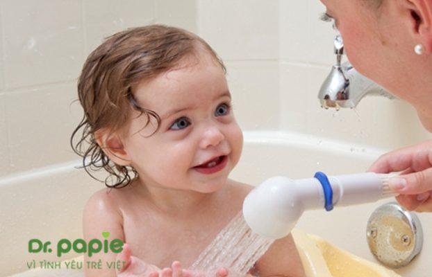 sữa tắm gội cho bé gái