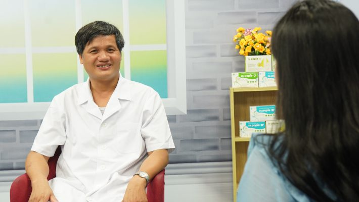 Tiến sĩ, bác sĩ Lê Minh Trác - Giám đốc Trung tâm Chăm sóc và Điều trị sơ sinh Bệnh viện Phụ sản Trung ương