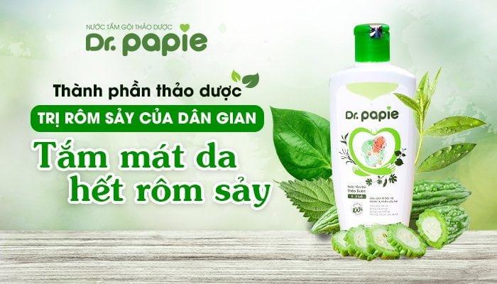 Nước tắm Dr.Papie chứa các thảo dược chuyên trong bài thuốc dành cho bé bị rôm sảy. Sự kết hợp nhiều loại thảo dược với nhau giúp tăng cường tác dụng làm mát, giảm viêm, giảm ngứa để bé nhanh khỏi rôm hơn tắm đơn lẻ từng loại lá